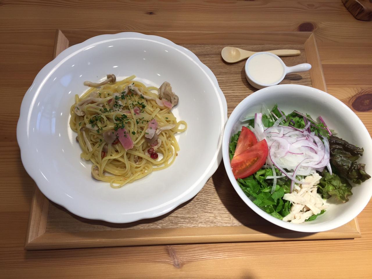 きのこのペペロンチーノ(サラダ)